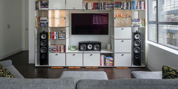 white USM Haller media unit with Haller E lighting in a modern London flat