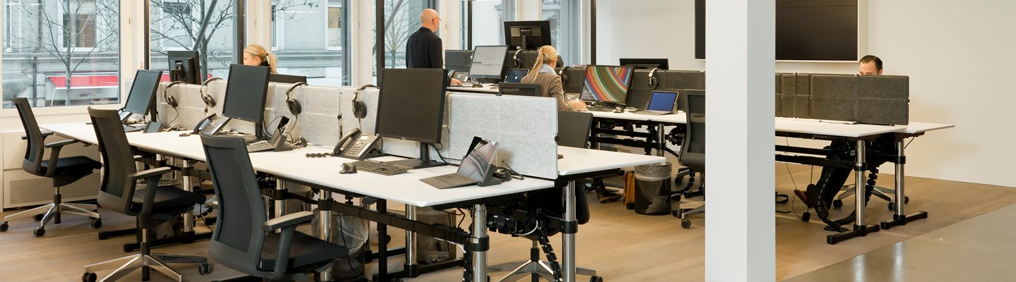 modern ergonomic height-adjustable workstations with USM Kitos