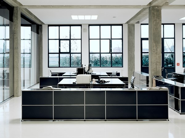 graphite black modern metal USM Haller office furniture