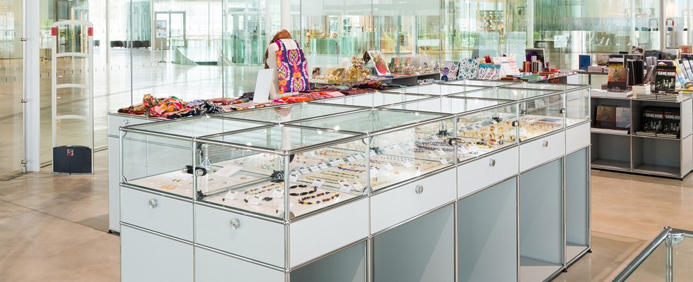 Louvre-Lens museum with contemporary USM Haller white display cabinets