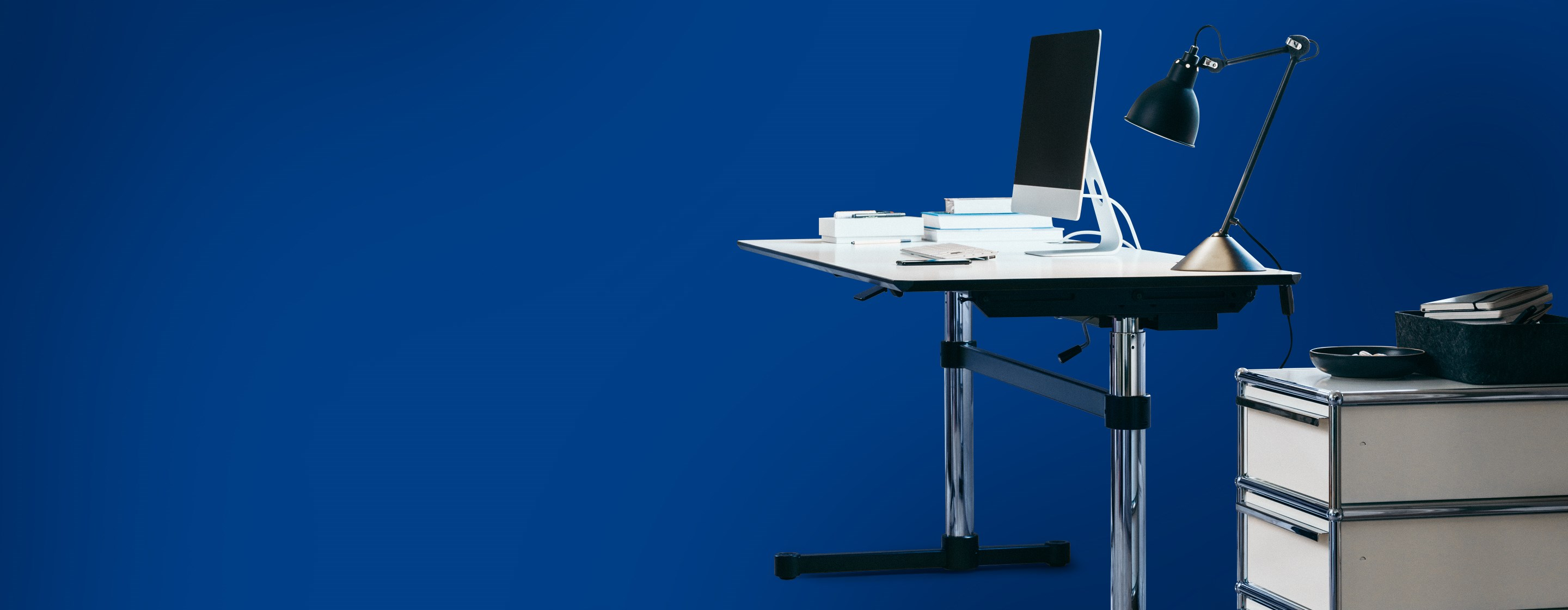 usm kitos m mechanical height adjustable workstation in pure white and chrome