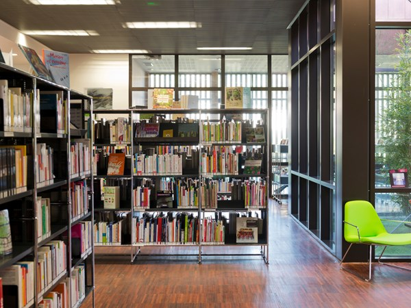 USM Haller book shelving