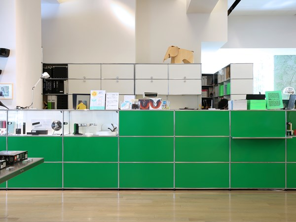 USM Haller reception furniture in green