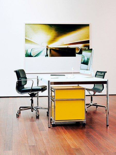Yellow USM Haller under pedestal with two drawers